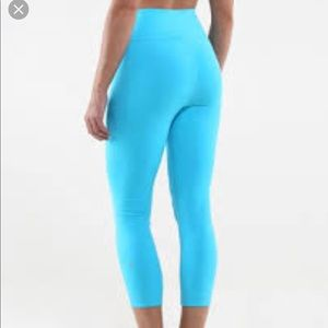 Lululemon Spry Blue Cropped workout leggings